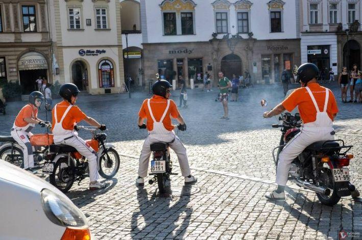 motorkari horni namesti